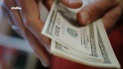 Los consumidores evitan pagar con dinero en efectivo en la cuarentena