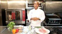 El Chef Piñeiro nos enseña como preparar un Pernil Al Horno de alta cocina.