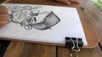 Douglas Candelario nos muestra el arte de  las caricaturas con tres expertos en la materia y lo demuestran pintando a su camarógrafo.