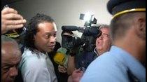 Ronaldinho fue detenido en Paraguay junto con su hermano Roberto