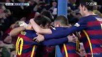 (Video) Así cobran los penales entre Messi y Suárez en el Barcelona