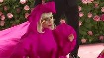 Lady Gaga se robó el show en gala del Met en Nueva York