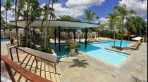 Natasha Martínez nos lleva de paseo a la ciudad de La Romana en la República Dominicana para presentarnos uno de los complejos turísticos mas exclusivos del Caribe, su nombre Casa de Campo Resort.