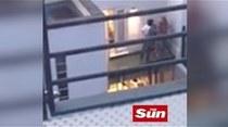 Lindsay Lohan grita que su novio intentó estrangularla