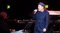 Rubén Blades deleita a su fanaticada en el Choliseo