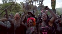 La samba y el lodo se adueñan del Carnaval de Río de Janeiro