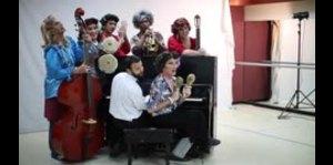 ¿Una orquesta de señoritas?