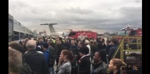 Pasajeros se afectan por Incidente químico en aeropuerto de Londres