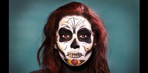 Deslumbrante transformación para Halloween
