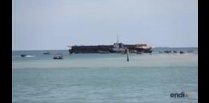 Tratan de saquear barcaza al llegar a puerto en Haití
