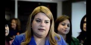 Jenniffer González en conversatorio sobre la mujer