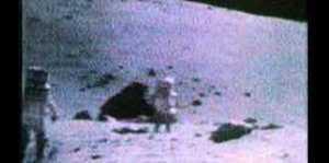Astronautas bromean con lo que ven en la Luna