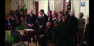 Trump firmó decreto contra Obamacare