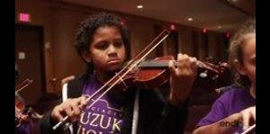 Niños se lucen practicando con la Orquesta Sinfónica de P...