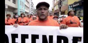 Empleados de la UPR marchan en defensa de la institución universitaria