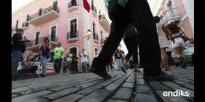Padres llegan hasta La Fortaleza para mantener su escuela...