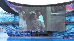 Madre militar sorprende a su hijo en SeaWorld