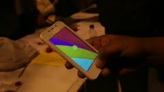 Crean smartphone de menos de $4