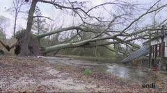 Los tornados en Estados Unidos dejan una estela de destrucción