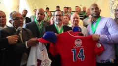 Entregan uniforme que se utilizará en la Serie del Caribe
