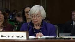 Titular de la Reserva Federal pide prudencia con el presupuesto