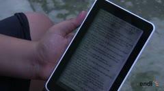 """La generación de lectores digitales en la Cuba """"off-line"""""""