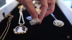 Aprende a identificar el costo de una joya