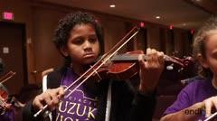 Niños se lucen practicando con la Orquesta Sinfónica de Puerto Rico