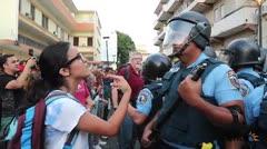Se caldean los ánimos entre estudiantes y la Policía en Río Piedras