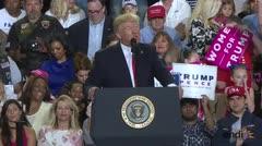 """Trump celebró 100 días """"muy productivos"""""""