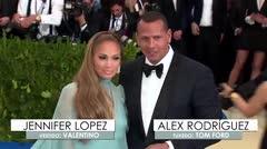 Personalidades se lucen en la alfombra roja de la Gala del Met