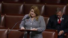 La comisionada residente apoya legislación para los veteranos