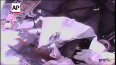 Astronautas reparan una avería en la Estación Espacial Internacional
