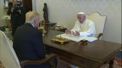 El papa Francisco recibe a Trump en el Vaticano