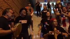 Fanaticada boricua sorprende a Yadier Molina en Baltimore