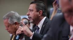 Alcaldes truenan contra el gobernador por decisión sobre residenciales