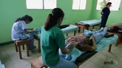 Ciegos nicaragüenses hallan profesión en masajes shiatsu