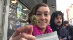 La marihuana llegó a farmacias de Uruguay
