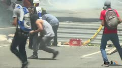 Choques en Caracas durante paro general