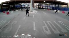 Un hombre ataca con cuchillo a un policía en Melilla