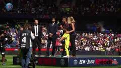 Aficionados del PSG dan la bienvenida a Neymar