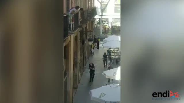 Barcelona: La Policía entra al mercado en busca del autor de la tragedia