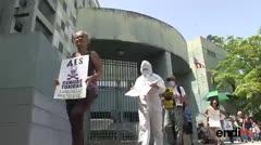 Organizaciones protestan contra la quema de carbón