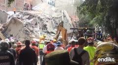 Buscan salvar vidas tras enorme terremoto en México