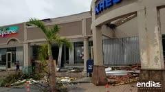 Destrozos en el área de Plaza Palma Real en Humacao