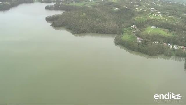 El gobernador recorre el lago Guajataca en helicóptero