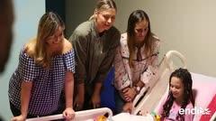 Puig y Sharapova llegan al Hospital San Jorge