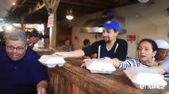 Lin Manuel lleva ayuda a Vega Alta