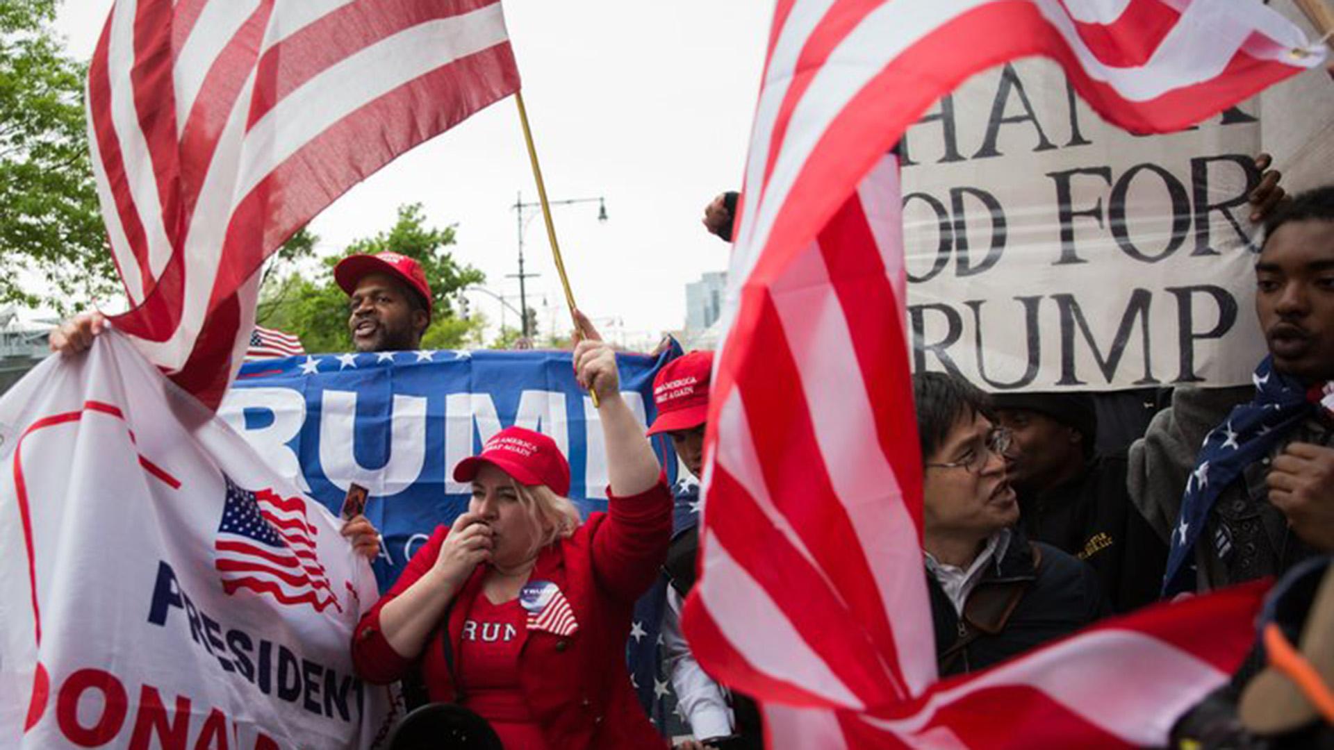 Votaron por Trump y un año después, siguen creyendo en él