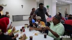 Personas sin hogar dan gracias en La Fondita de Jesús